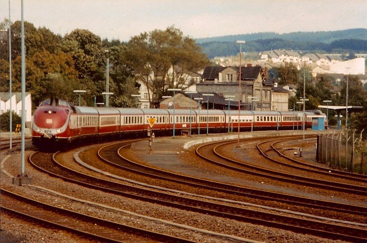 VT601_Bahnhof_Mhgn
